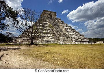 wild angle of the chichen itza temple in tulum mexico