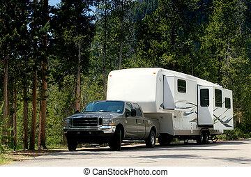 camper trailer in yellowstone