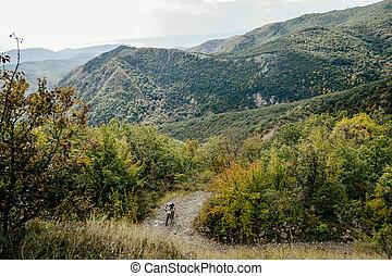 cyclist sports mountainbike