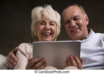 Discovering fun that internet can bring to their elderly life