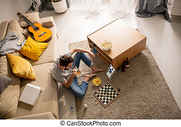 Friends spending time together online
