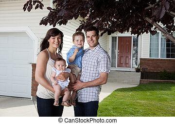 Happy Sweet Family