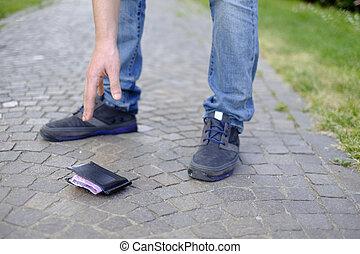 Man losing his wallet