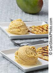 mango ice cream with pineapple