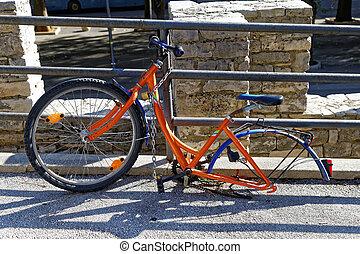 One wheel bicycle