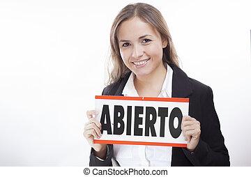 Open for business. Spanish spoken
