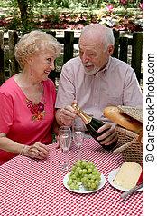 Picnic Seniors - Opening Wine