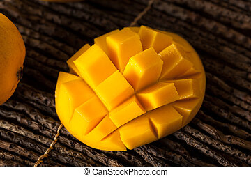 Raw Organic Yellow Mangos