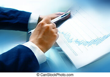 read the graph in the financial report