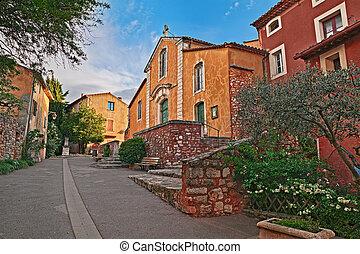 Roussillon, Vaucluse, Provence, France: the church of Saint-Michel