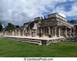 Temple of the Warriors in Chichen Itza