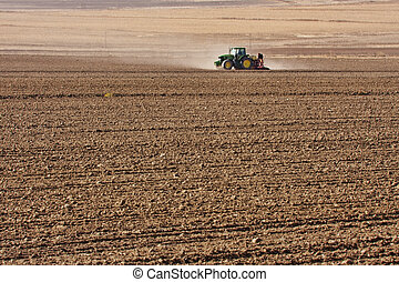 tractor planting wheat